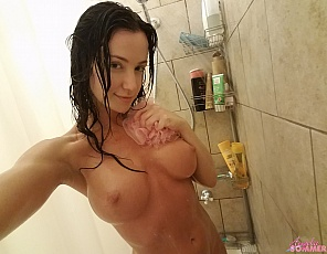 content/naughty-candids-shower/2.jpg